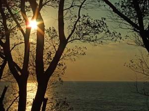 Steilküste mit Sonnenuntergang