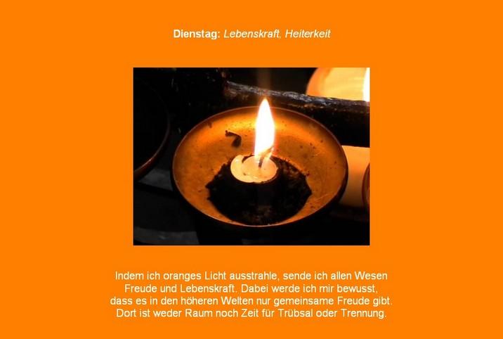 Orange-Meditation in der meditaterra-Friedensmeditation mit Spruch für die Farbe Orange und Kerzen-Video