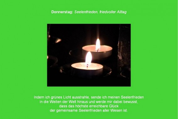 Friedensmeditation Donnerstagsmeditation mit Gruen und Kerznelicht