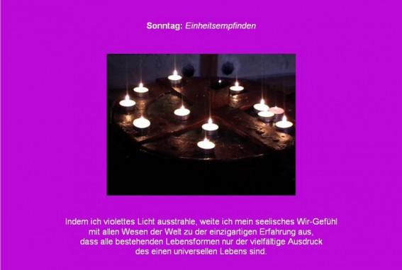 Friedensmeditation mit Violett und Kerzenlicht