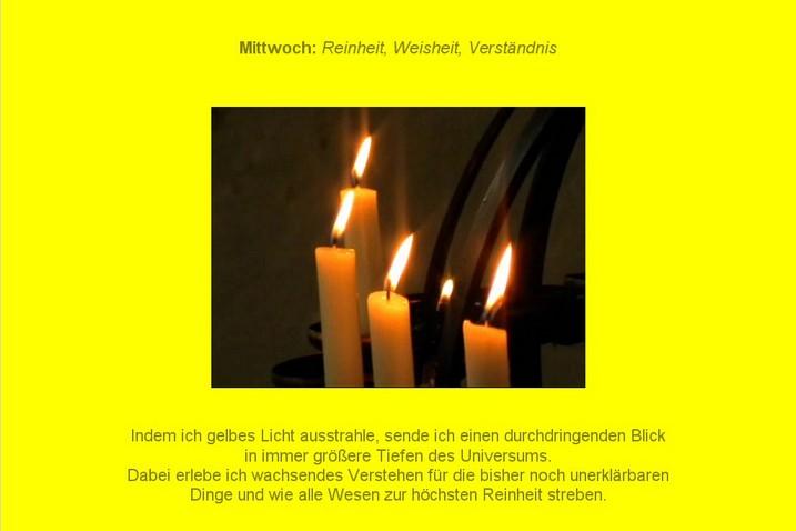 Gelb-Meditation mit Kerzen und Friedensgebet - gelber Hintergrund