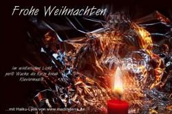 Weihnachtsgrusskarte mit Haikugedicht und Kerzenlicht