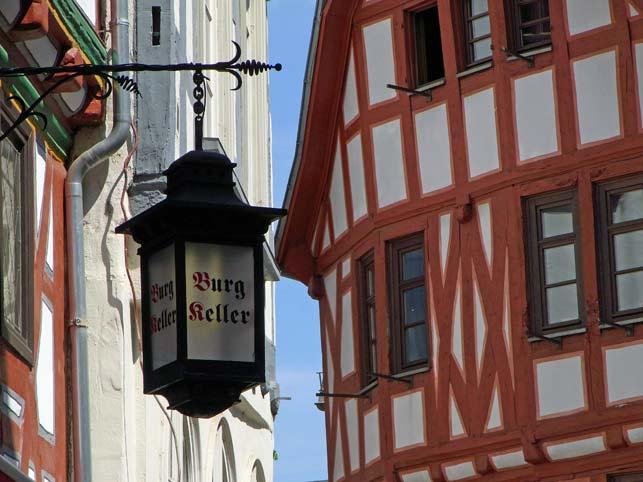 Limburg an der Lahn Fachwerk Gassen Dom Holzbau Reisebericht Restaurant Burgkeller Reisen Meditieren Entspannen Kunsthistorie
