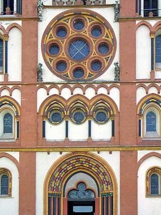 Eingang Limburger Dom mit Rossette