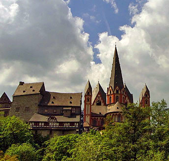 Dom in Limburg - Gesamtansicht auf dem Berg
