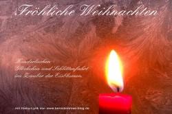 Kostenloser Weihnachtsgruß per Mail mit roter Kerze und Haiku-Gedicht