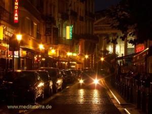 Brüsseler Börse - Kneipenviertel im Abendlicht