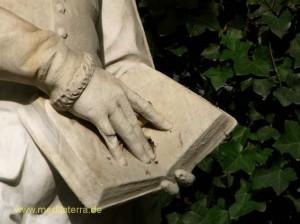 Brüssel Figur im Park bei der Kathedrale du Sablon