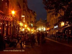Brüssel Börsenviertel im Abendlicht - Brüsseler Börse am Abend
