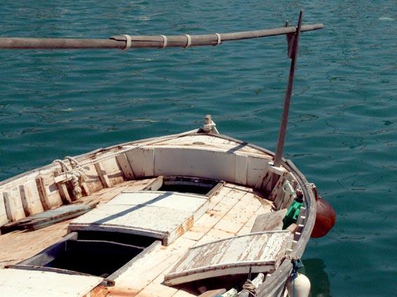Cote d`Azur Fischerboot im Hafen