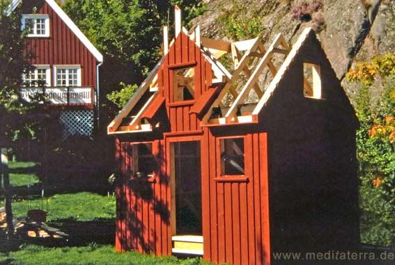 Falunrotes Gartenhaus im Bau - Schweden