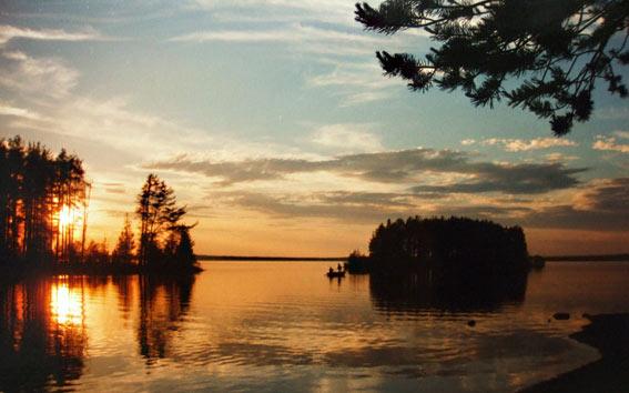 Sonnenuntergang am Siljansee in Dalarna - Mittsommer in Schweden