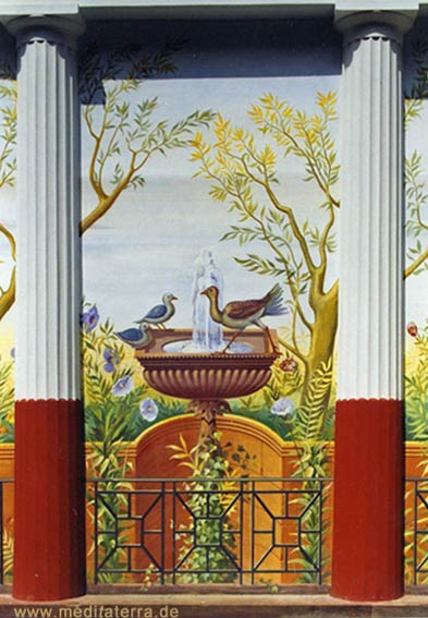 römische Wandmalerei mit Vogeltränke und Säulen