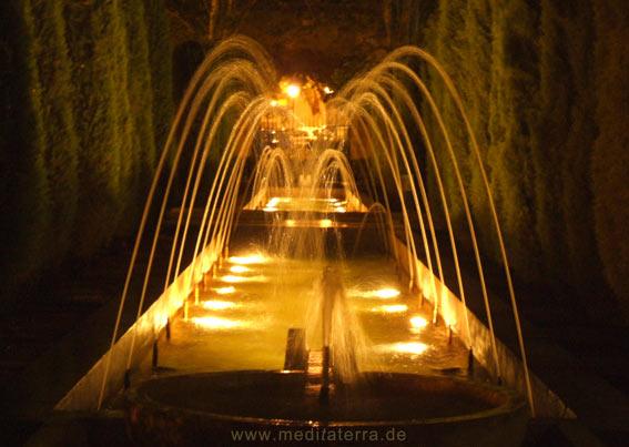 Springbrunnen - Beleuchtung am Abend