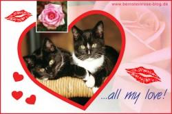 Rosengrußkarte mit zwei jungen Katzen in einem Herz und Kussmund - All my love