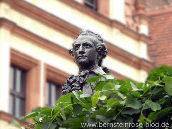 Goethe-Denkmal: Kopf Goethes als Student in Leipzig - am Naschmarkt Nähe Auerbachskeller