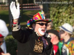Cowboy mit buntem Hut, Karneval in Bad Honnef am Rhein