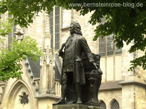 Denkmal Johann Sebastian Bachs an der Thomaskirche in Leipzig