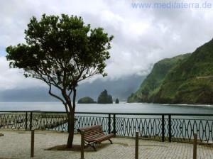 Madeira: Blick auf die Felsenküste bei Porto de Moniz