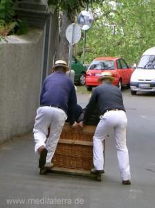 Madeira Korbschlittenfahrer auf dem Monte