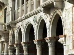 Casa d'Oro: Arkadenbögen im Wassergeschoss - Venedig Canal Grande