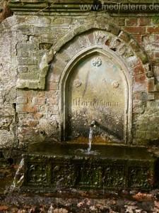 Matienborn Brunnen in den Weinbergen bei Leutesdorf