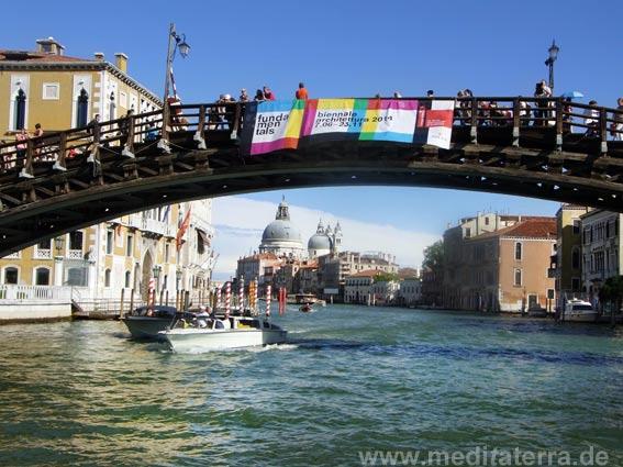 Accademia-Brücke in Venedig mit Ausblick