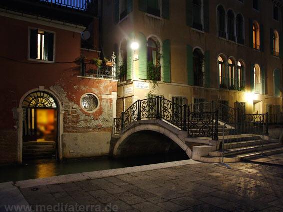 Brücke in Venedig im Abendlicht
