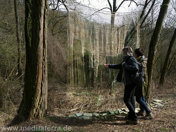 """Christiane Wünsche """"Schöne Aussicht"""" - Kunstwerk am Kunst- und Kulturweg oberhalb von Leutesdorf bei Koblenz - Rheinsteig"""