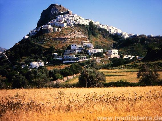 Das weiße Inselhauptstädtchen Skyros auf dem Berg - Sporadeninseln