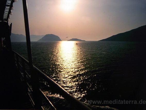 Inselriffe zwischen der Insel Skopelos und Alonissos - Griechenland, nördliche Sporaden, Abendstimmung