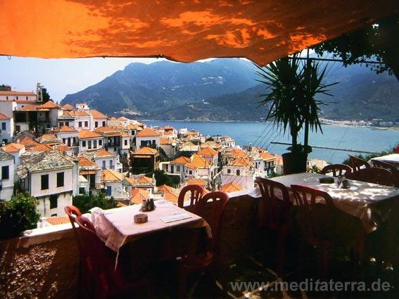 Blick von einem Restaurant in Skopelos - nördliche Sporaden