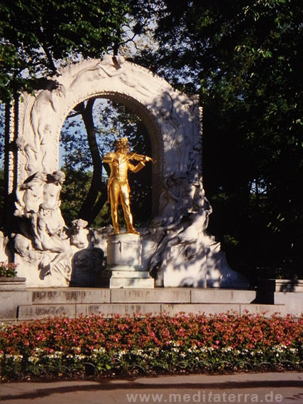 Das Johann Strauss Denkmal im Wiener Stadtpark