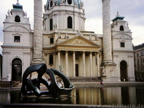 Karlsplatz in Wien mit Karlskirche
