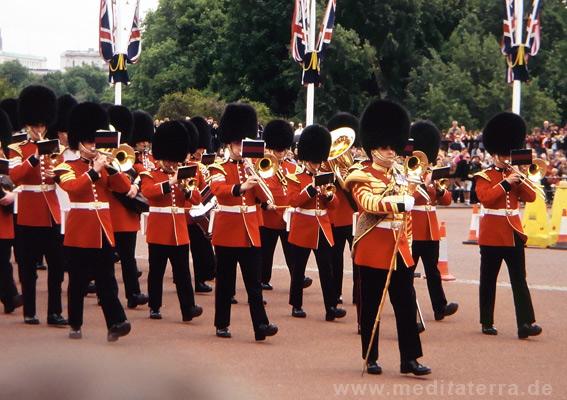 London: Königliche Gardekapelle bei der Zeremonie der Wachablösung