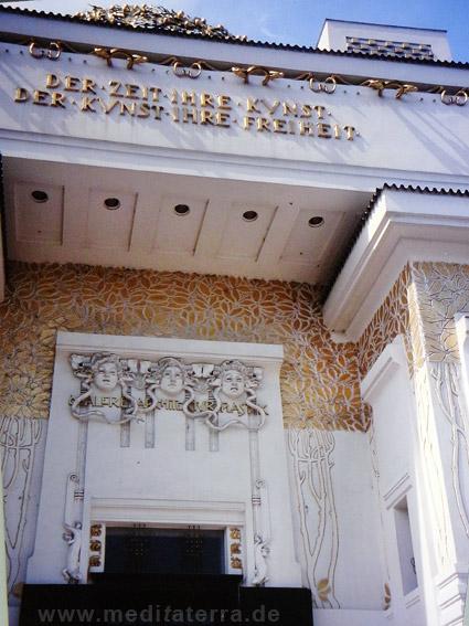 Eingangsfront des Secessionsgebäudes in Wien