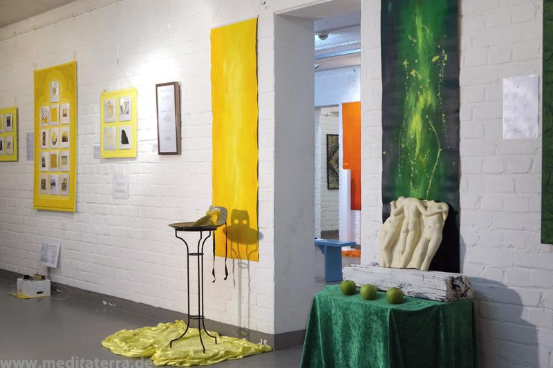 """""""Faszination weltweiter Kunst, Farbe und Meditation"""" - Interkulturelle Kunstinstallation und Präsentation in Köln - Farbräume Grün, Gelb, Orange"""