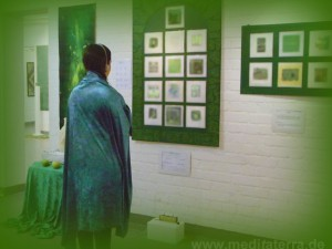 Kunstmeditation mit grüner Farbe