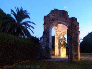 Romantische Ruine auf dem Montebello