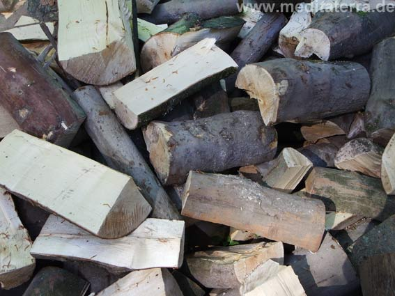 brennholz-gehackt-1