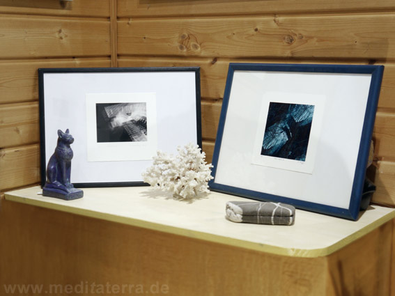 kleinformatige Kunstbilder sammeln und arrangieren