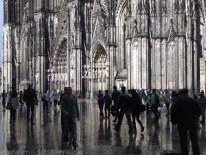 Auf dem Domplatz in Köln