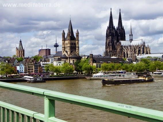 Blick von der Severinsbrücke auf Köln