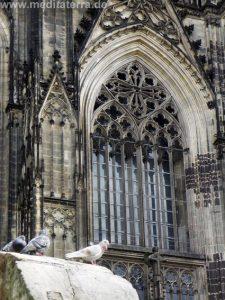 Gotisches Fenster am Kölner Dom