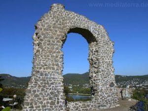 Eherner Ort der Rheinromantik: der Rolandsbogen