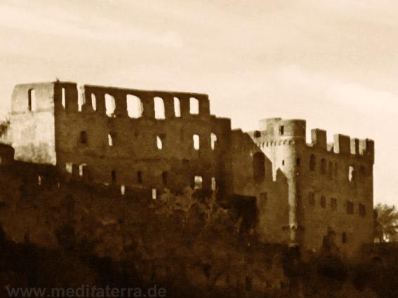 Turner-Motiv: Ruine Rheinfels von Burg Katz aus gesehen