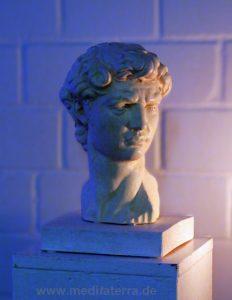 Künstlerische Gestaltung mit Skulpturen