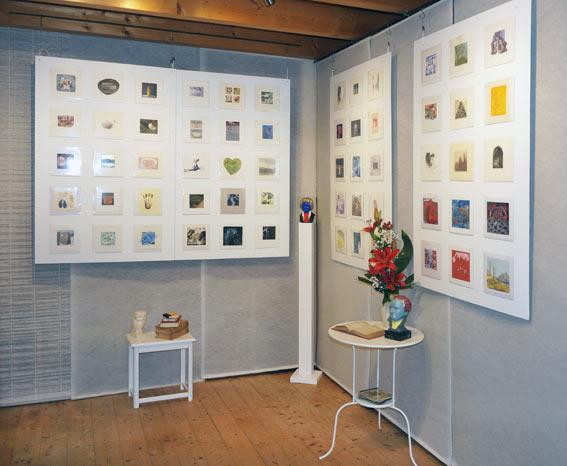 Ausstellung mit kleinformatigen Bildern aus aller Welt im Kunstretreat in Königswinter bei Bonn